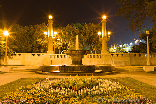 Garden and Fountain in Chicago's Grant Park along Michigan Avenue at twilight