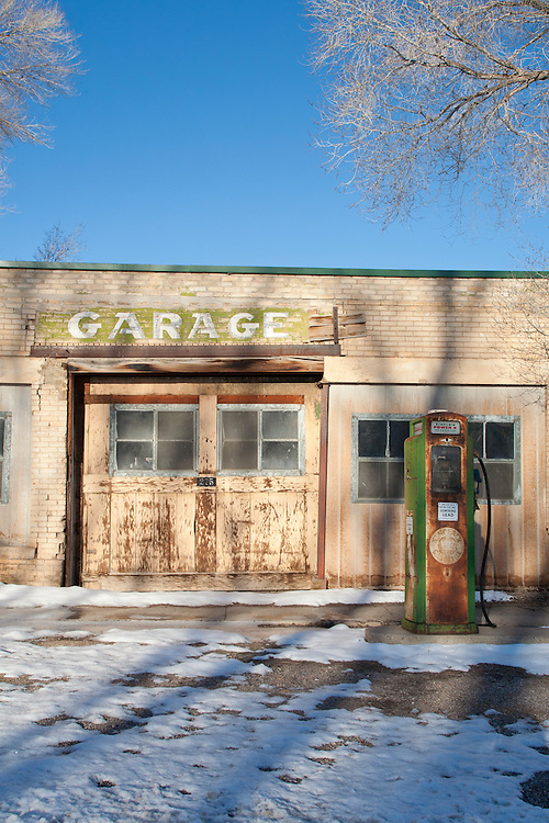 Scipio Utah, Old Sinclair gas station, winter, America's disappearing small towns,