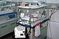 Premature infant in an high dependency intensive care cot in a special care baby unit. ..© SHOUT. THIS PICTURE MUST ONLY BE USED TO ILLUSTRATE THE EMERGENCY SERVICES IN A POSITIVE MANNER. CONTACT JOHN CALLAN. Exact date unknown.john@shoutpictures.com.www.shoutpictures.com.
