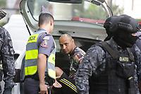 26.04.2018 - Homem faz refém no Shopping Pátio Paulista em SP