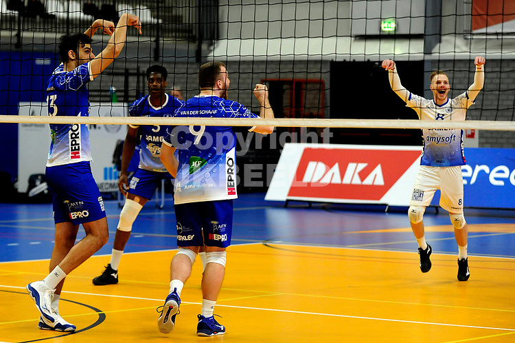 24-03-2021: Volleybal: Amysoft Lycurgus v Sliedrecht Sport: Groningen , Lycurgus juicht na de winst