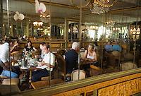 """Europe/France/Aquitaine/64/Pyrénées-Atlantiques/Biarritz: """" Miremont """" Patissier ,Salon de Thé créé en 1880,Détail du salon"""