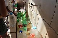 SUMARE, SP 02.08.2019 - FALTA DE AGUA - Moradores da cidade de Sumaré (SP) estão há cerca de quatro dias sem água. A região mais afetada é o bairro Matão. O transtorno começou por causa de uma obra da BRK Ambiental para ampliação e modernização do Rio Atibaia.  <br /> O prazo para restabelecer o abastecimento de água na cidade era até ontem (1º), às 23h. Porém, segundo a BRK, este prazo teve que ser prorrogado em função do vazamento em uma das adutoras de água bruta da captação do Rio Atibaia depois da conclusão da obra, e por isso foi preciso parar o processo de reabastecimento. O desabastecimento atinge cerca de 200 mil pessoas de 113 bairros. (Foto: Denny Cesare/Código19)