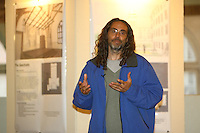 Director Tom Shadyac talks about his movie Evan Almighty and I now pronounce you chuck and larry.