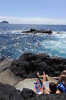 Meerespool in Varadouro auf der Insel Faial, Azoren, Portugal