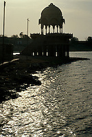 am Gadi Sagar (See), Jaisalmer (Rajasthan), Indien