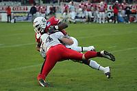Jabari Johnson (Runningback Braunschweig Lions) wird von Alexander Musch (Defensive Back Stuttgart Scorpions) gestoppt