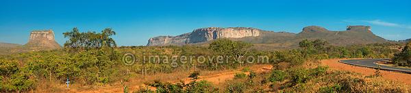 View onthe the Morro do Pai Inacio (1120m) near Lencois; Parque Nacional de Chapada Diamantina, Bahia, Brazil.