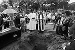 Last rites of Frank Stanley Correa in the Bhowanipore cemetery in Kolkata.