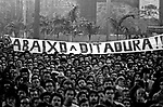 Ato público do Movimento pela Anistia. SP. 1979. Foto de Juca Martins.