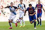 Raul Albentosa and FC Barcelona's Luis Suarez during the La Liga match between Futbol Club Barcelona and Deportivo de la Coruna at Camp Nou Stadium Spain. October 15, 2016. (ALTERPHOTOS/Rodrigo Jimenez)
