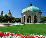 Deutschland, Bayern, Oberbayern, Muenchen: Hofgarten Tempel und Theatiner Kirche | Germany, Bavaria, Upper Bavaria, Munich: Hofgarden Temple and Theatiner Church