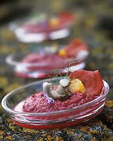 """Europe:France/Bretagne/22/Côtes d'Armor/Saint-Brieuc:Bavarois de betterave à la fleur d'orange et bulot au naturel , recette de Jean-Marie Baudic Chef du restaurant """"au Pesked"""""""