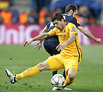 Atletico de Madrid's Juanfran Torres (b) and FC Barcelona's Luis Suarez during Champions League 2015/2016 Quarter-Finals 2nd leg match. April 13,2016. (ALTERPHOTOS/Acero)