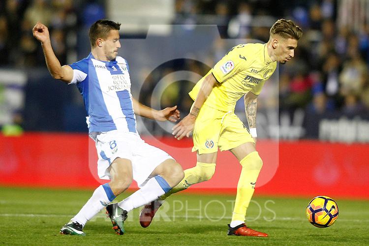 CD Leganes' Gabriel Pires (l) and Villarreal CF's Samu Castillejo during La Liga match. December 3,2016. (ALTERPHOTOS/Acero)