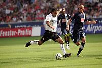 Mehdi Mahdavikia (Eintracht Frankfurt) gegen Christian Müller (Hertha BSC Berlin)