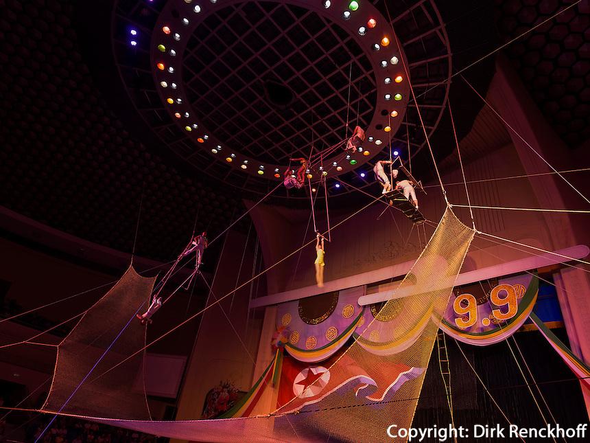 Zirkus von Pyongyang, Nordkorea, Asien<br /> Circus of  Pyongyang, North Korea, Asia