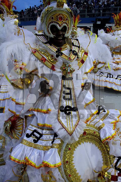 SÃO PAULO, SP, 04 DE MARÇO DE 2011 - CARNAVAL 2011 - Desfile da Vai - Vai primeiro dia dos desfiles das escolas do Grupo Especial de São Paulo,s no Sambódromo do Anhembi, zona norte da capital paulista, nesta sexta-feira. (FOTO: ALE VIANNA / NEWS FREE).