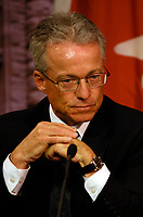 Toronto (ON) - May 29, 2007 - <br /> <br />  Brian Beamish , Assistant Commissioner Access,listen while Information and<br /> Privacy Commissioner (Ontario) (Dr.) Ann Cavoukian released her 2006<br /> Annual Report today, is basing her criticism on the type of appeals her<br /> office is receiving when government organizations refuse to disclose<br /> requested information.<br /> <br /> photo by Dominic Chan Images Distribution