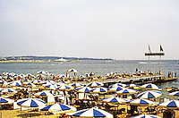 Cannes: Bathing beach and umbrellas. Photo '83.