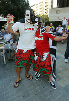 Valencia, Spain. Thursday 19 September 2013<br /> Pictured: Swansea supporters singing with hundreds of others outside the stadium.<br /> Re: UEFA Europa League game against Valencia C.F v Swansea City FC, at the Estadio Mestalla, Spain,