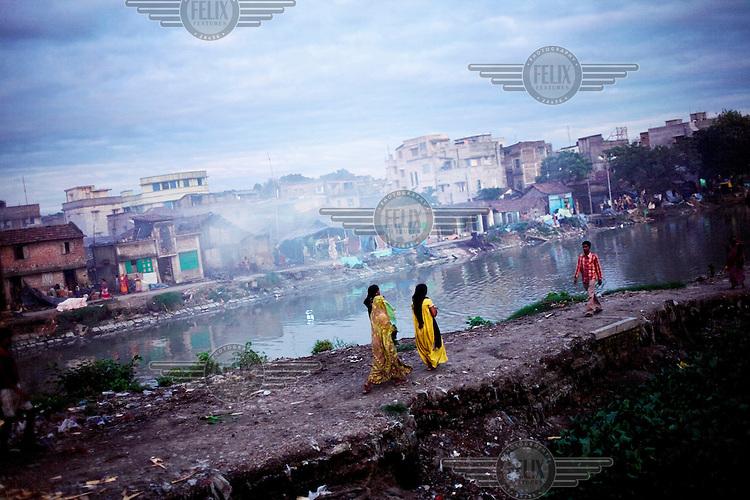 A Calcutta street scene.
