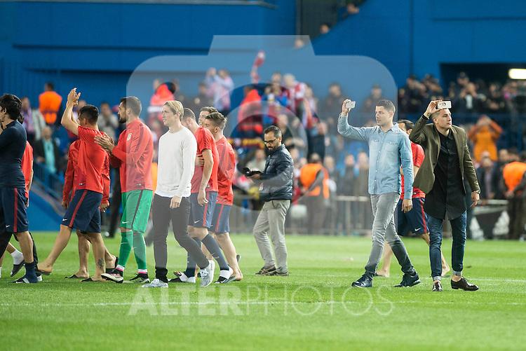 Atletico de Madrid's players celebrating the victory during Champions League 2015/2016 Quarter-Finals 2nd leg match. April 13, 2016. (ALTERPHOTOS/BorjaB.Hojas)