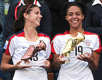 Santiago, Chile: American players Alex Morgan(L) Sydney Leroux(R)  celebrate their best players trophy at the Fifa U-20 Women´s World Cup, after defeat Korea DRP's team in the Florida´s Municipal Stadium, on December 07 th, 2008. By Grosnia / ISIphotos.com