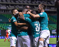 PALMIRA – COLOMBIA, 19-10-2020: Angelo Rodriguez del Cali celebra después de anotar el primer gol de su equipo durante partido entre Deportivo Cali e Independiente Santa Fe por la fecha 15 de la Liga BetPlay DIMAYOR I 2020 jugado en el estadio Deportivo Cali de la ciudad de Palmira. / Angelo Rodriguez of Cali celebrates after scoring the first goal of his team during match between Deportivo Cali and Independiente Santa Fe for the date 15 as part of BetPlay DIMAYOR League I 2020 played at Deportivo Cali stadium in Palmira city. Photo: VizzorImage / Nelson Rios / Cont