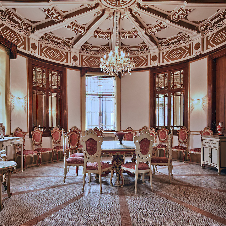 The Chinese-style dining room.