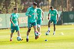 22.09.2020, Trainingsgelaende am wohninvest WESERSTADION - Platz 12, Bremen, GER, 1.FBL, Werder Bremen Training<br /> <br /> <br /> Milot Rashica (Werder Bremen #07)<br /> Pattrick Erras (Werder Bremen Neuzugang 29<br /> Nick Woltemade (werder Bremen #41)<br /> Jean Manuel Mbom (Werder Bremen 34)<br />  ,Ball am Fuss, <br /> Einzelaktion, Ganzkörper / Ganzkoerper <br /> <br /> Querformat<br /> <br /> <br /> Foto © nordphoto / Kokenge