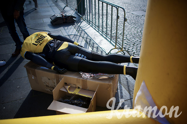 first crash victim at the start?<br /> <br /> 50th Amstel Gold Race 2015