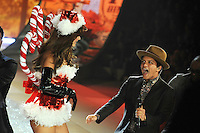 NON EXCLUSIVE PICTURE: MATRIXPICTURES.CO.UK.PLEASE CREDIT ALL USES..UK RIGHTS ONLY..American pop singer Bruno Mars is pictured performing a concert on the runway during the 2012 Victoria's Secret lingerie fashion show, held at New York's Lexington Avenue Armory. ..NOVEMBER 7th 2012..REF: GLK 125134 /NortePhoto