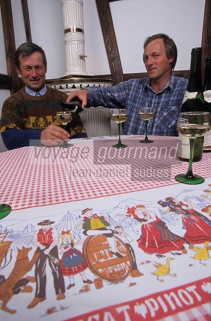 Europe/France/Alsace/68/Haut-Rhin/Colmar : Robert et Georges Karcher (viticulteurs) [Non destiné à un usage publicitaire - Not intended for an advertising use]