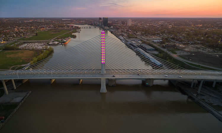 Pixelated Painting |  Toledo Veteran's Glass City Skyway Bridge | HLB Lighting
