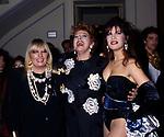 GABRIELLA FERRI CON SANDRA MILO E PAMELA PRATI<br /> SALONE MARGHERITA ROMA 1996