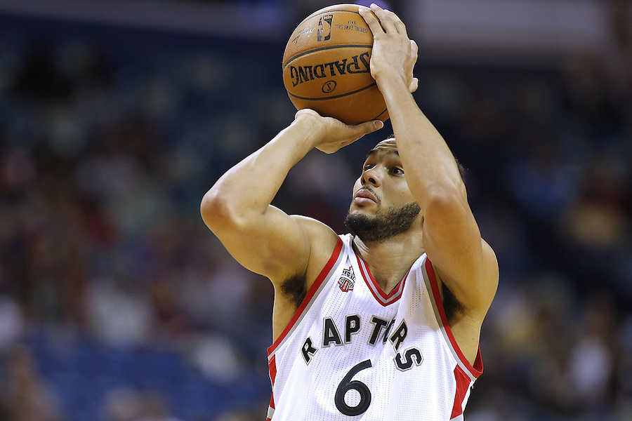 NEW ORLEANS, LA - MARCH 26: Cory Joseph #6 of the Toronto Raptors shoots the ball during a game at the Smoothie King Center on March 26, 2016 in New Orleans, Louisiana. NOTE TO USER: User expressly acknowledges and agrees that, by downloading and or using this photograph, User is consenting to the terms and conditions of the Getty Images License Agreement.  (Photo by Jonathan Bachman/Getty Images)