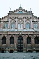 Sir Christopher Wren: The Sheldonian, Oxford 1663. South facade. Photo '87.