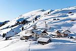 Italien, Suedtirol, Groednertal, oberhalb Wolkenstein, am Groednerjoch, Passhoehe 2.585 m | Italy, Alto Adige - Trentino, South Tyrol, above Selva di Val Gardena: passroad Passo Gardena (2.585 m)