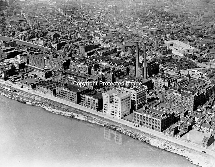 Pittsburgh PA:  View of the Heinz Manufacturing Plant on the Northside of Pittsburgh - 1940s.