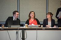 """10. Sitzung des 2. Untersuchungsausschusses <br /> der 18. Wahlperiode des Berliner Abgeordnetenhaus - """"BER II"""" - am Freitag den 1. Maerz 2019.<br /> Der Ausschuss soll die Ursachen, Konsequenzen und Verantwortung fuer die Kosten- und Terminueberschreitungen des im Bau befindlichen Flughafens """"Berlin Brandenburg Willy Brandt"""" aufklaeren.<br /> Als oeffentlicher Tagesordnungspunkt war die Beweiserhebung durch Vernehmung der Zeugin Heike Foelster vorgesehen. Heike Foelster ist seit 2013 Geschaeftsfuehrerin Finanzen (CFO) beim Flughafen Berlin Brandenburg.<br /> Im Bild, mitte: Die Ausschussvorsitzende Melanie Kuehnemann-Grunow, SPD.<br /> 27.2.2019, Berlin<br /> Copyright: Christian-Ditsch.de<br /> [Inhaltsveraendernde Manipulation des Fotos nur nach ausdruecklicher Genehmigung des Fotografen. Vereinbarungen ueber Abtretung von Persoenlichkeitsrechten/Model Release der abgebildeten Person/Personen liegen nicht vor. NO MODEL RELEASE! Nur fuer Redaktionelle Zwecke. Don't publish without copyright Christian-Ditsch.de, Veroeffentlichung nur mit Fotografennennung, sowie gegen Honorar, MwSt. und Beleg. Konto: I N G - D i B a, IBAN DE58500105175400192269, BIC INGDDEFFXXX, Kontakt: post@christian-ditsch.de<br /> Bei der Bearbeitung der Dateiinformationen darf die Urheberkennzeichnung in den EXIF- und  IPTC-Daten nicht entfernt werden, diese sind in digitalen Medien nach §95c UrhG rechtlich geschuetzt. Der Urhebervermerk wird gemaess §13 UrhG verlangt.]"""