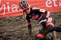 Denise Betsema (NED/Pauwels Sauzen-Bingoal) crash/slipped<br /> <br /> 2021 UCI CX World Cup Overijse (BEL)<br /> Vlaamse Druivencross<br /> <br /> Women's Race<br /> <br /> ©kramon