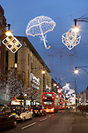 Great Britain, London: Christmas shopping and lights along Oxford Street | Grossbritannien, England, London: Weihnachtsbeleuchtung in der Oxford Street