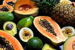 Frutas tropicales.<br /> <br /> Edición de 3 | Víctor Santamaría.