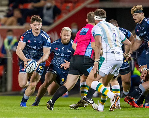 20th November 2020; AJ Bell Stadium, Salford, Lancashire, England; English Premiership Rugby, Sale Sharks versus Northampton Saints; Ben Curry of Sale Sharks looks to get around Tom Wood of Northampton Saints