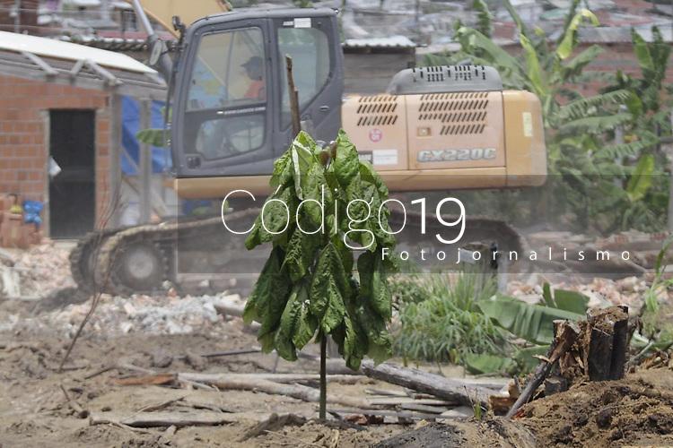 Manaus (AM), 03/03/2020 - Reintegracao-Manaus - Segundo dia de reintegracao de posse da maior invasao da cidade, conhecida como Monte Horebe na manha desta terca-feira (3), na zona norte de Manaus. (Foto: Sandro Pereira/Codigo 19/Codigo 19)