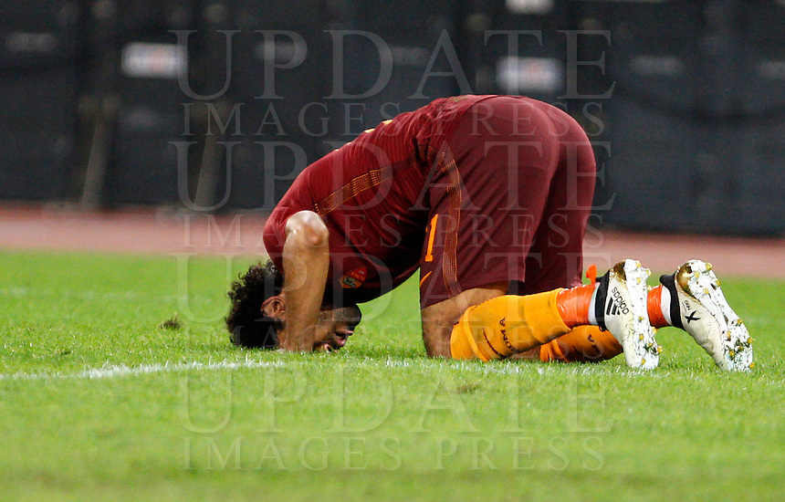 Calcio, Serie A: Roma vs Palermo. Roma, stadio Olimpico, 23 ottobre 2016.<br /> Roma's Mohamed Salah celebrates after scoring during the Italian Serie A football match between Roma and Palermo at Rome's Olympic stadium, 23 October 2016. Roma won 4-1.<br /> UPDATE IMAGES PRESS/Riccardo De Luca