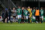 13.01.2021, xtgx, Fussball 3. Liga, VfB Luebeck - SV Waldhof Mannheim emspor, v.l. Spieler beider Teams geraten nach Abpfiff aneinander<br /> <br /> (DFL/DFB REGULATIONS PROHIBIT ANY USE OF PHOTOGRAPHS as IMAGE SEQUENCES and/or QUASI-VIDEO)<br /> <br /> Foto © PIX-Sportfotos *** Foto ist honorarpflichtig! *** Auf Anfrage in hoeherer Qualitaet/Aufloesung. Belegexemplar erbeten. Veroeffentlichung ausschliesslich fuer journalistisch-publizistische Zwecke. For editorial use only.
