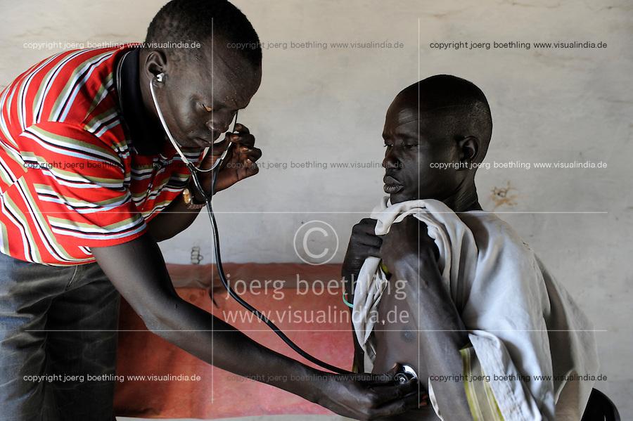 "Afrika Suedsudan Rumbek , Diakonie Gesundheitsstation Agangrial in Cuibet County | .Africa South Sudan Rumbek , health center .| [ copyright (c) Joerg Boethling / agenda , Veroeffentlichung nur gegen Honorar und Belegexemplar an / publication only with royalties and copy to:  agenda PG   Rothestr. 66   Germany D-22765 Hamburg   ph. ++49 40 391 907 14   e-mail: boethling@agenda-fototext.de   www.agenda-fototext.de   Bank: Hamburger Sparkasse  BLZ 200 505 50  Kto. 1281 120 178   IBAN: DE96 2005 0550 1281 1201 78   BIC: ""HASPDEHH"" ,  WEITERE MOTIVE ZU DIESEM THEMA SIND VORHANDEN!! MORE PICTURES ON THIS SUBJECT AVAILABLE!! ] [#0,26,121#]"
