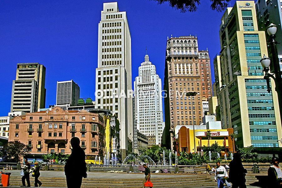 Vale do Anhangabau em São Paulo. 2002. Foto de Juca Martins.